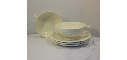 Wedgewood Edme Double Handled Soup bowls and Plates Ribbed Lot of 5 Pieces