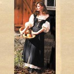 Costume Role Play Fair Wench,Pirate Gown,Country Maid Skirt w/ Bodice and Muslin Underdress